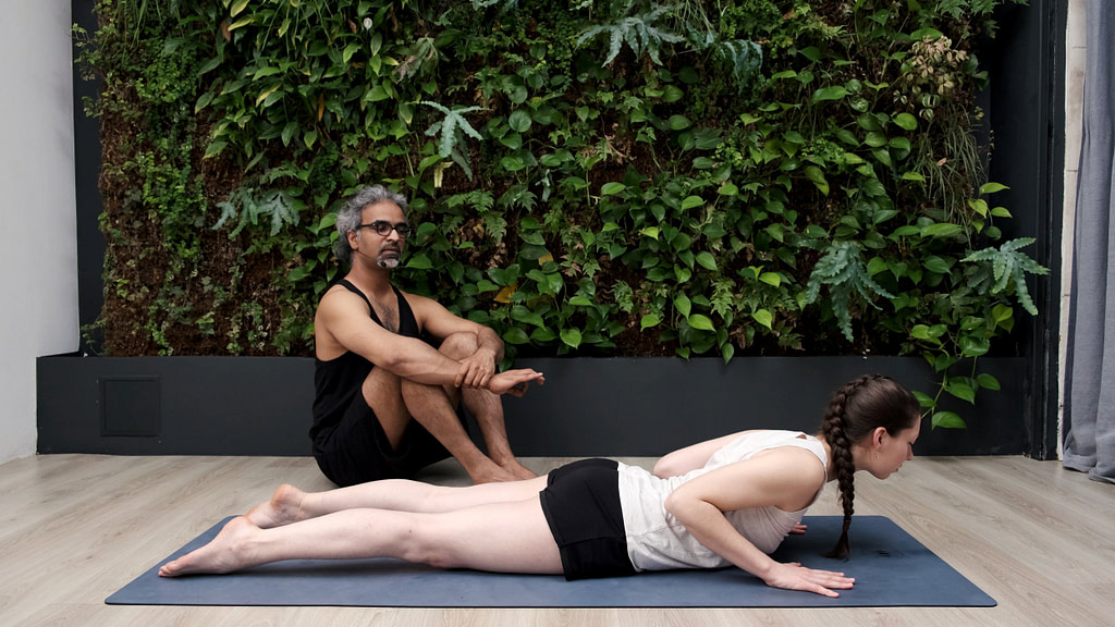 Soulager les douleurs du bas du dos - séance gratuite de yoga